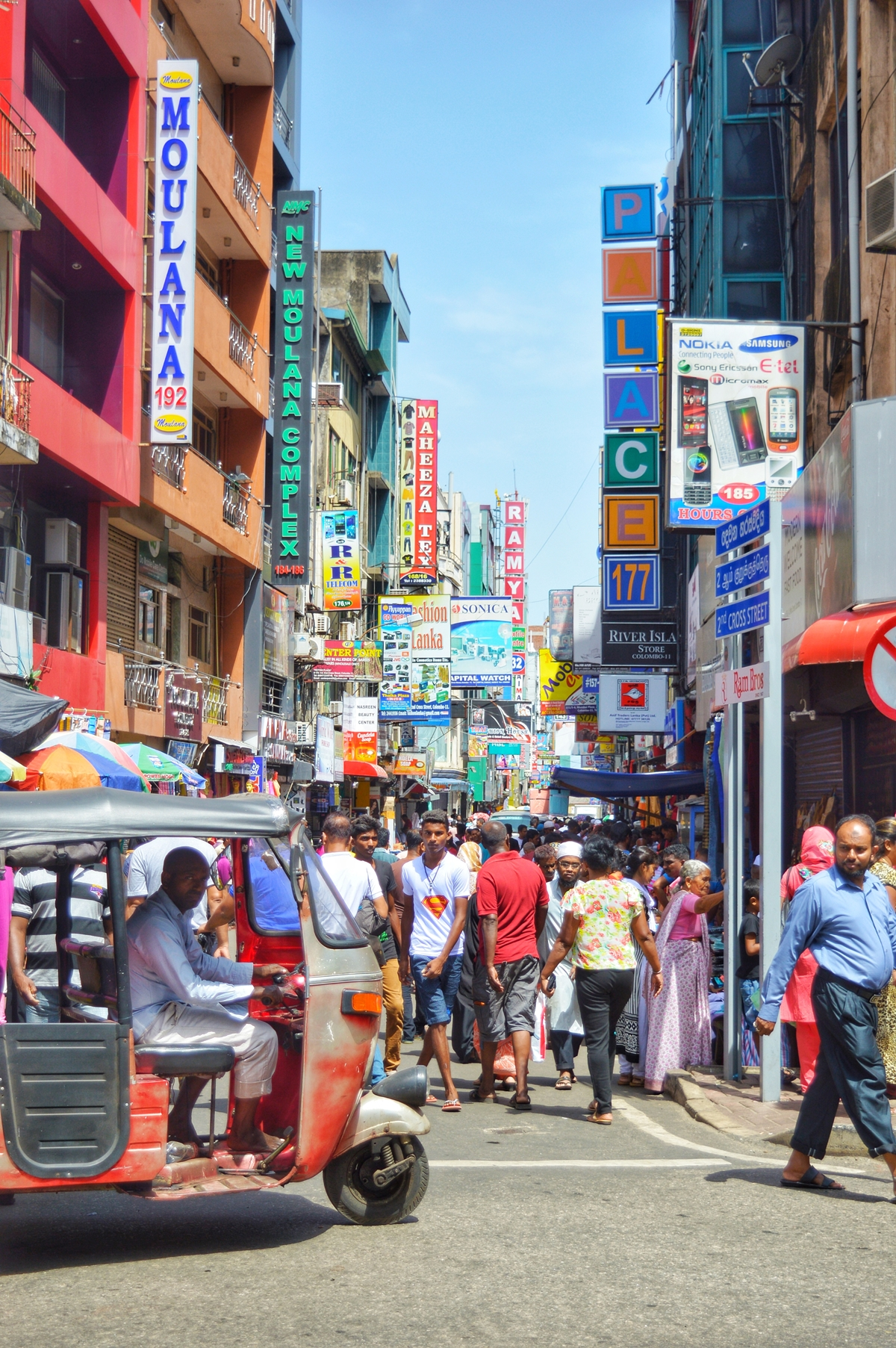 Colombo Travel Guide NatnZin