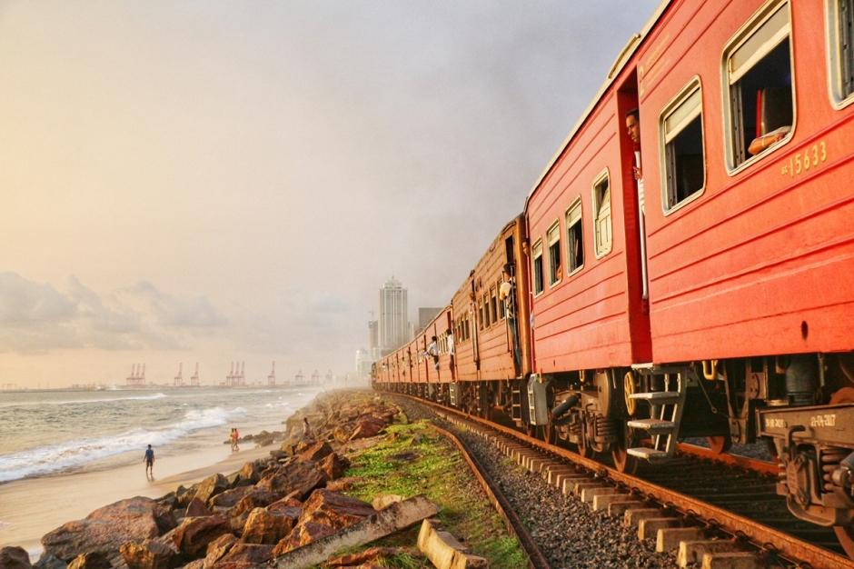 Train Colombo NatnZin