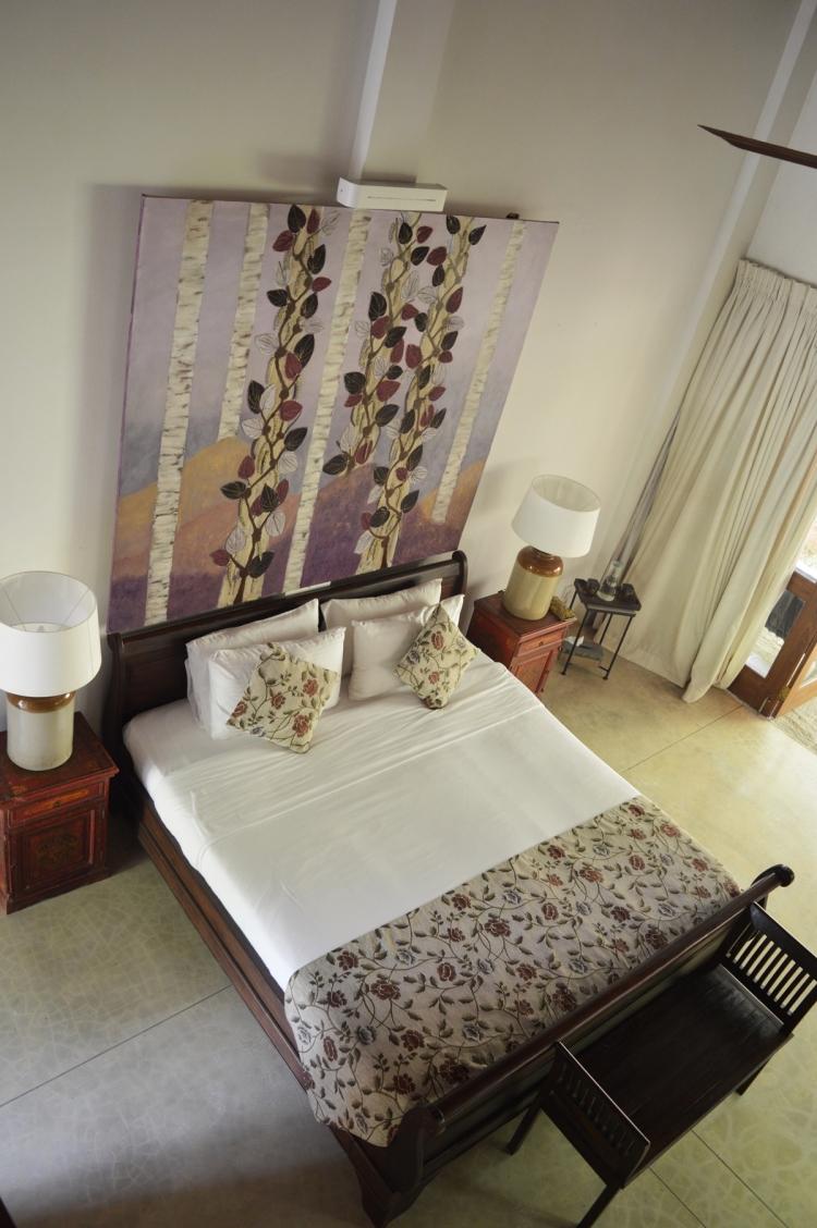Bedroom-Weir-House-NatnZin