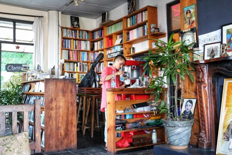 Illiterati Cafe NatnZin